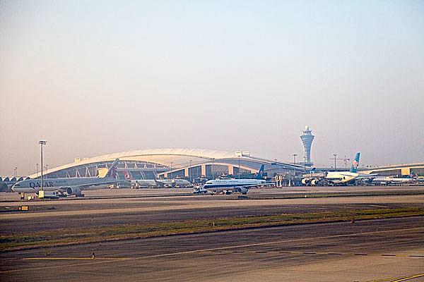 广州白云机场1月1日起推交通优化新招整治拥堵