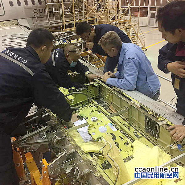 四川飞机维修完成亚太首架鲨鳍小翼无预留改装