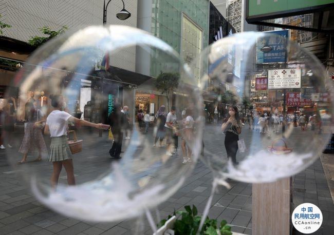 """新加坡研究重启与香港特区间""""航空泡泡"""""""